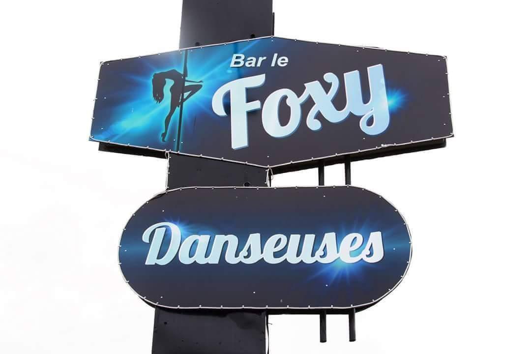 Bar le Foxy, danseuses nues, Roberval