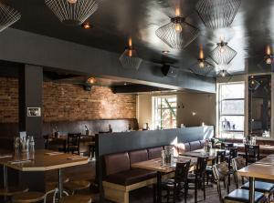 Hà, Restaurant, Montréal